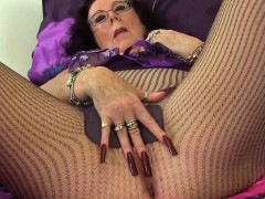 british-granny-georgie-fingers-her-ass