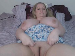 bbw blonde with huge tits masturbates