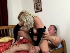 fuckable-mature-feels-outstanding-on-top-of-her-sex-partner