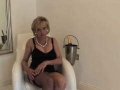 adulterous-british-mature-lady-sonia-shows-off-her-monster-k
