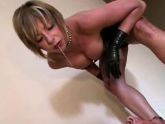 mature-femdom-loves-slapping-her-slave