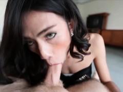 sexy-kathoey-babe-sucks-white-rod