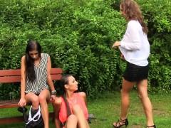kinky-lesbians-pissing
