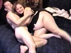 chunky-bbw-brunette-spreads-her-meaty-thighs-for-her-skinny-boyfriend