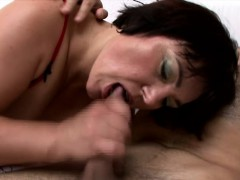 chunky-heartbreaker-anna-is-a-horny-milf-begging-for-some-dick