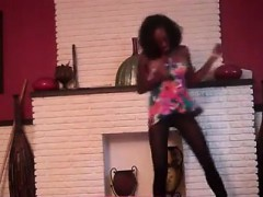 cute-black-girl-has-fun-dancing-and-showing-what-her-hips-c