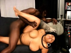 Big Tit Pregnant Ebony Is Getting Her Wet Cunny Pumped On The Couch