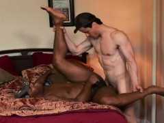 Horny White Dude Can't Resist This Black Fucker's Inviting Cumhole
