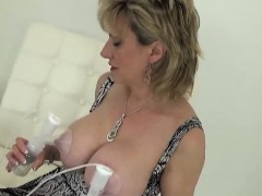 unfaithful-uk-mature-lady-sonia-displays-her-huge-balloons