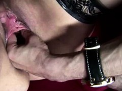 amateur-dude-fists-european-whore-in-amsterdam