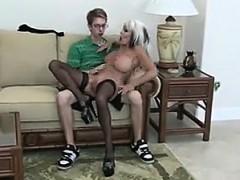 Nerd fucks Mature Bimbo - visit realfuck24