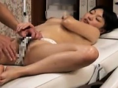 bodacious-oriental-lady-gets-her-body-massaged-and-her-peac