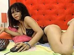 Latina Feet Show
