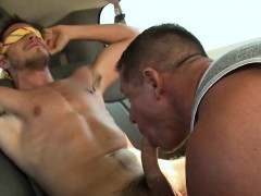 10-pounder-riding-with-two-homo-hunks-at-the-car-park