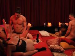 bunch-of-swingers-enjoyed-massive-orgy-in-the-bedroom