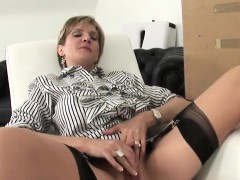 cheating english mature lady sonia exposes her big ballo