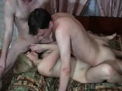 mother-and-2-young-boys-kathrine