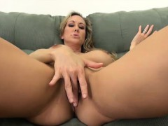 blonde-busty-milf-drilling-he-pussy-solo