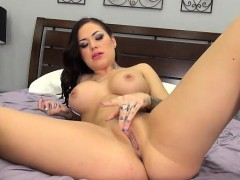sexy brunette karmen karma masturbating