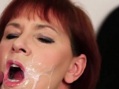 Peculiar Hottie Gets Sperm Shot On Her Face Eating All The E