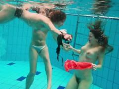 3-nude-girls-have-fun-in-the-water