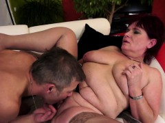 cougar-orally-pleasured-and-fingered