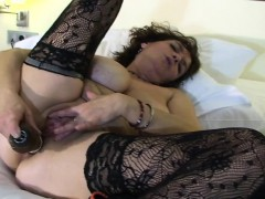 big-titted-mother-playing-with-her-ashlee