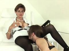 Unfaithful English Milf Lady Sonia Flaunts Her Big Hooters
