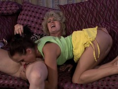 Horny Mom Woke Up Teen For Pussy Licking