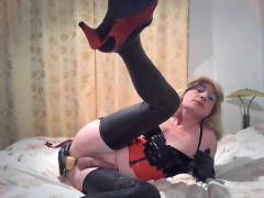this-inexperienced-crossdresser-wants-latex-underwear