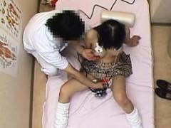 lovely-japanese-girl-has-a-masseur-giving-her-cunt-his-full