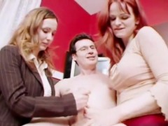 two ravishing babes put their lips and hands to work on a long shaft – Free Porn Video