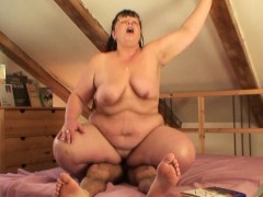 picked-up-chubby-mature-woman-rides-his-cock