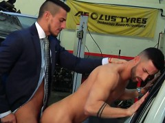 muscle-boy-rimming-with-cumshot