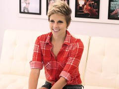 fetishnetwork-makeena-reese-couch-sex