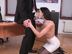 brunette-pornstar-hardcore-anal-with-facial