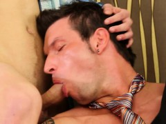 Bisex Babe Gets Oral Sex
