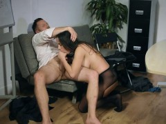 Office Hoe Mea Melone Gets Nailed And Cum Sprayed