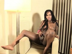 Heeled Ebony Trans Beauty Solo Session