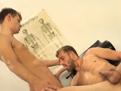 muscle-gay-dp-and-cumshot