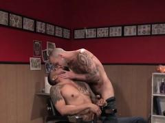 big-cock-gay-oral-sex-and-cumshot