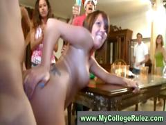 college-amateur-couple-fuck-in-public-at-dorm-party