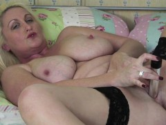 Uk mature mommy with great tities Christine from dates25com