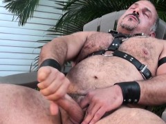 solo-mature-bear-jerking-off-until-jizzing