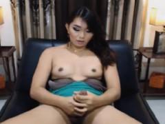 amateur-shemale-babe-masturbating