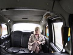 fake-taxi-driver-bangs-blonde-reporter