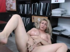 amateur-big-tits-milf-camgirl-dildoing-and-squirts-on-webcam