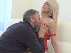 hot-young-gorgeous-chick-drilled-by-old-dude