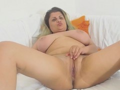 busty-chubby-mature-enjoys-dildo-time