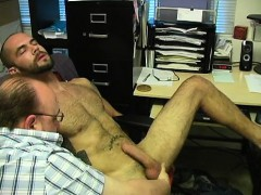 straight-amateur-enjoying-a-gay-handjob